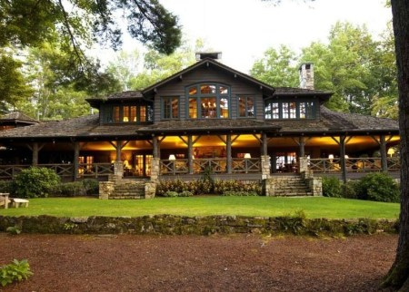 Outstanding Lake House Exterior Designs Ideas Will Totally Love 15
