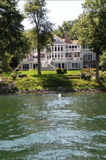 Outstanding Lake House Exterior Designs Ideas Will Totally Love 19