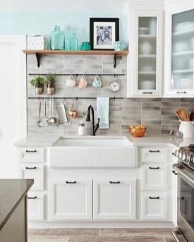 Pretty Farmhouse Kitchen Makeover Ideas On A Budget 22