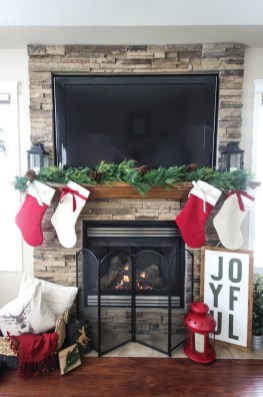 Stunning Fireplace Mantel Decor For Christmas Ideas 33