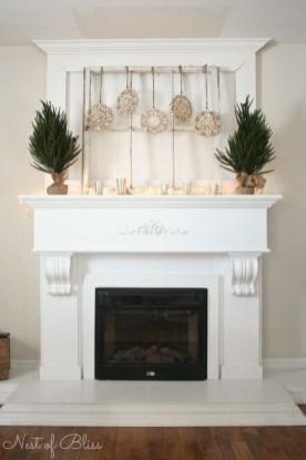 Stunning Fireplace Mantel Decor For Christmas Ideas 43