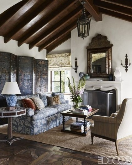 Stylish French Country Living Room Design Ideas 18