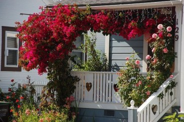 Amazing Front Porch Design Ideas For Valentines Day19