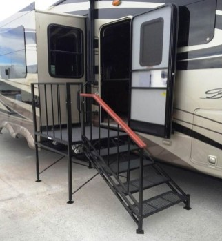 Attractive Rv Hacks Remodel Ideas For Your Inspirations17