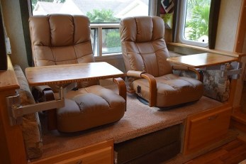 Attractive Rv Hacks Remodel Ideas For Your Inspirations36