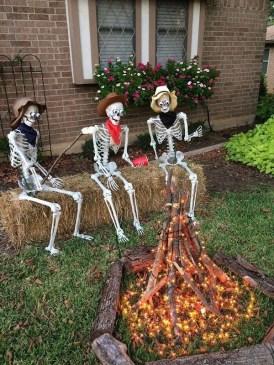 Cozy Diy Halloween Decoration Ideas32