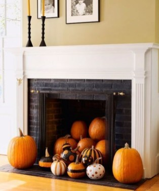 Incredible Halloween Fireplace Mantel Design Ideas14