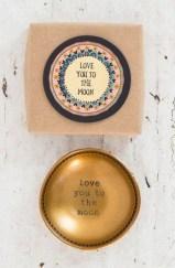 Inspiring Exterior Decoration Ideas For Valentines Day39