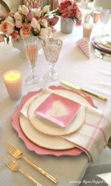 Magnificient Valentines Day Table Decorating Ideas24