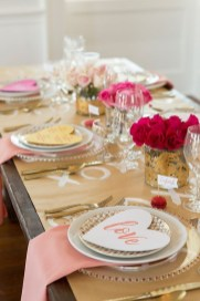 Magnificient Valentines Day Table Decorating Ideas31