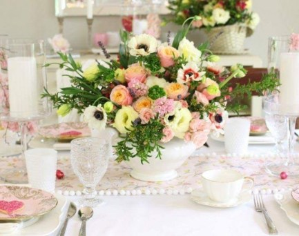 Magnificient Valentines Day Table Decorating Ideas36