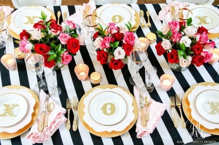 Magnificient Valentines Day Table Decorating Ideas37