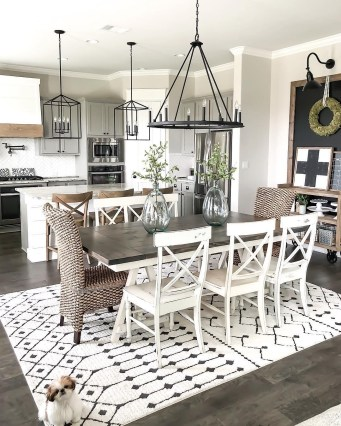 Adorable Farmhouse Dining Room Design Ideas07