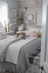Brilliant Small Master Bedroom Ideas01