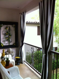 Enchanting Apartment Balcony Decorating Ideas10