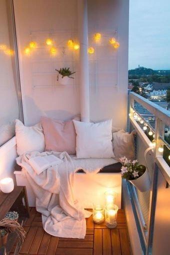 Enchanting Apartment Balcony Decorating Ideas40