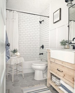 Incredible Small Bathroom Remodel Ideas19
