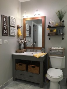 Incredible Small Bathroom Remodel Ideas37