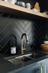 Latest Kitchen Backsplash Tile Ideas19