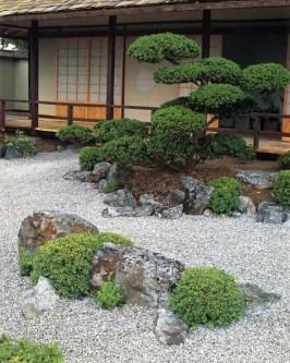 Minimalist Japanese Garden Ideas33