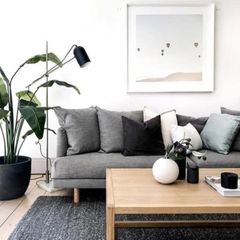 Perfect Scandinavian Living Room Design Ideas37