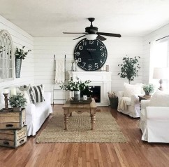 Pretty French Country Living Room Design Ideas24