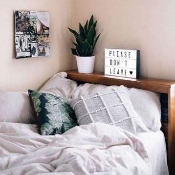 Simple Bedroom Designs Ideas40