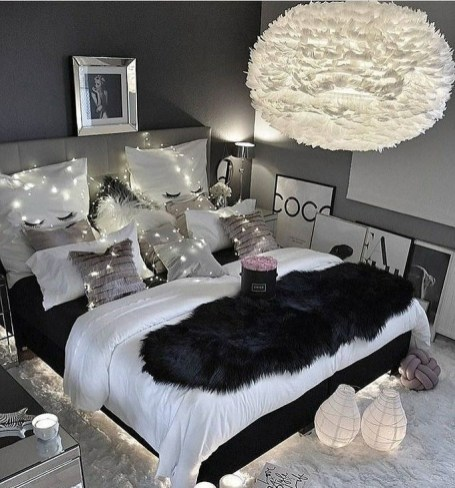 Amazing Black Bedroom Design Ideas For Home30