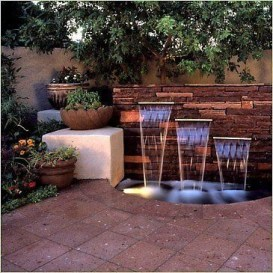 Stylish Outdoor Water Walls Ideas For Backyard27