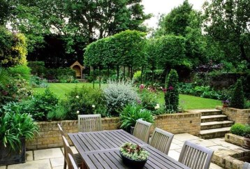 Awesome Small Garden Fence Ideas21