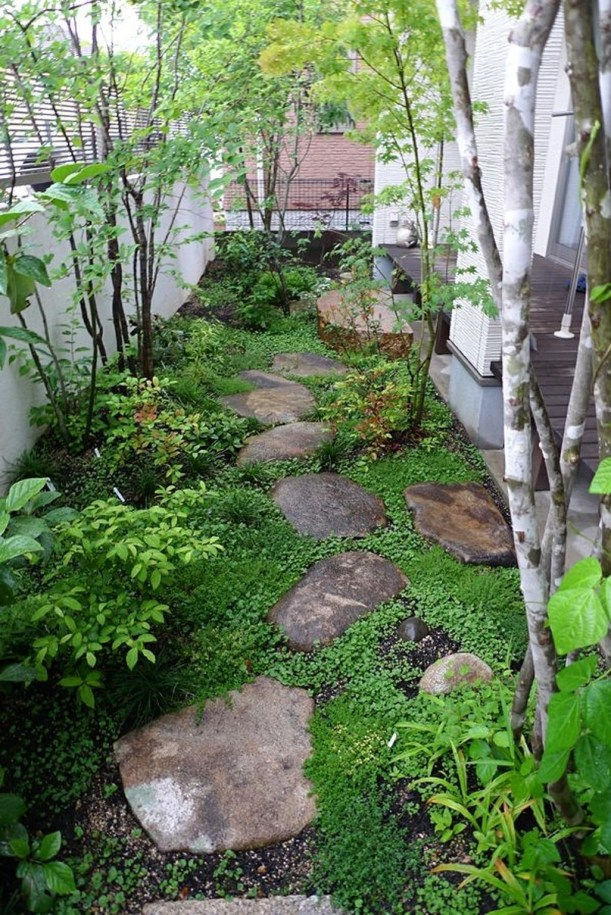 Awesome Small Garden Fence Ideas40
