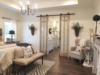 Elegant Antique Farmhouse Decoration Ideas For Home02