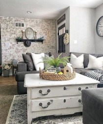 Elegant Antique Farmhouse Decoration Ideas For Home07