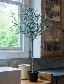 Elegant Antique Farmhouse Decoration Ideas For Home16