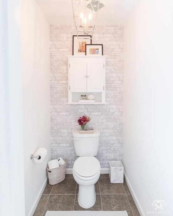 Outstanding Bathroom Makeovers Ideas For Small Space44