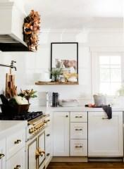 Popular Farmhouse Kitchen Art Ideas To Scale Up Your Kitchen03