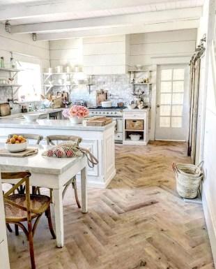 Popular Farmhouse Kitchen Art Ideas To Scale Up Your Kitchen15