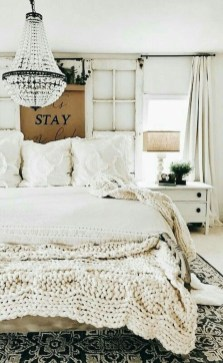 Smart Bedroom Decor Ideas With Farmhouse Style09