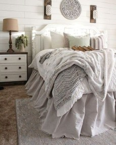 Smart Bedroom Decor Ideas With Farmhouse Style12