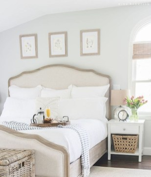 Smart Bedroom Decor Ideas With Farmhouse Style34