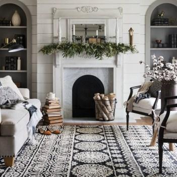 Unique Farmhouse Fireplace Design Ideas For Living Room24