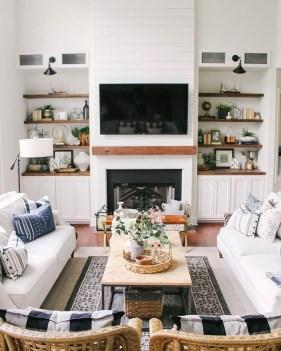 Unique Farmhouse Fireplace Design Ideas For Living Room26