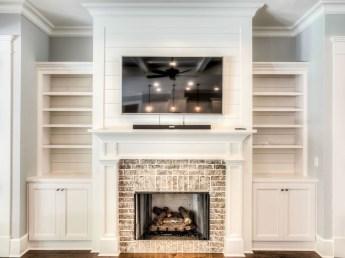Unique Farmhouse Fireplace Design Ideas For Living Room32