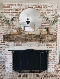 Unique Farmhouse Fireplace Design Ideas For Living Room34