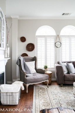 Unique Summer Decor Ideas For Living Room27