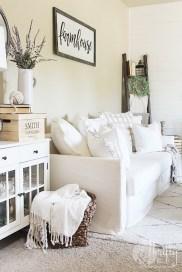 Unique Summer Decor Ideas For Living Room32