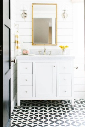 Wonderful Yellow And White Bathroom Ideas08