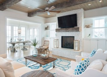 Inspiring Living Room Ideas With Beachy And Coastal Style07