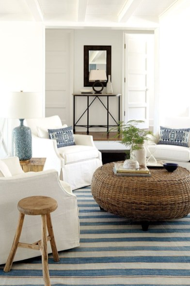 Inspiring Living Room Ideas With Beachy And Coastal Style09