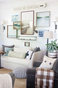 Inspiring Living Room Ideas With Beachy And Coastal Style42